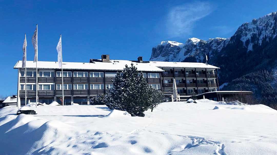 Seeblick Höhenhotel in Emmetten in Winter
