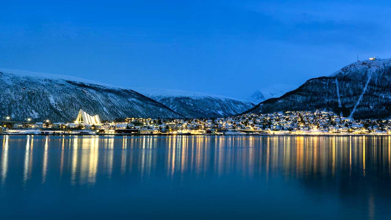 Tromsø im Norden Norwegens im Winter | (c) Dennys Hess/Unsplash