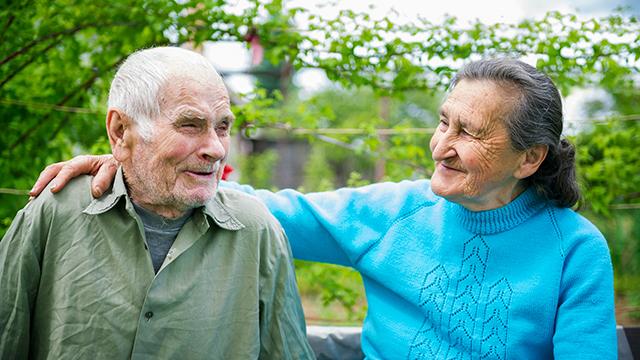 Harmonisches älteres Paar