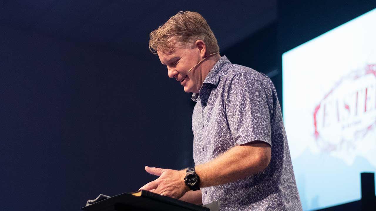 Pastor am Predigen