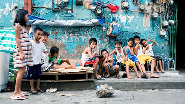Strassenkinder in Manila