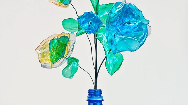Blumen aus Plastikflaschen