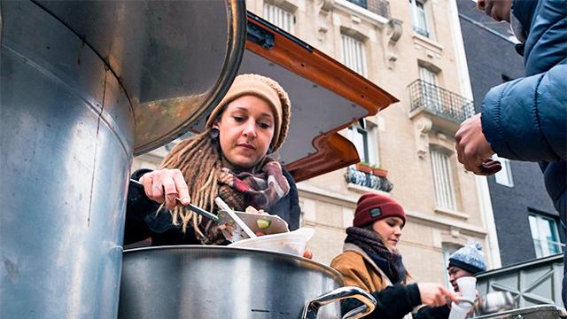 Essensausgabe beim Projekt «Soup-Port»