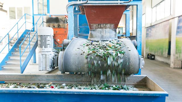 Recycling-Anlage für Glas (c) 123rf