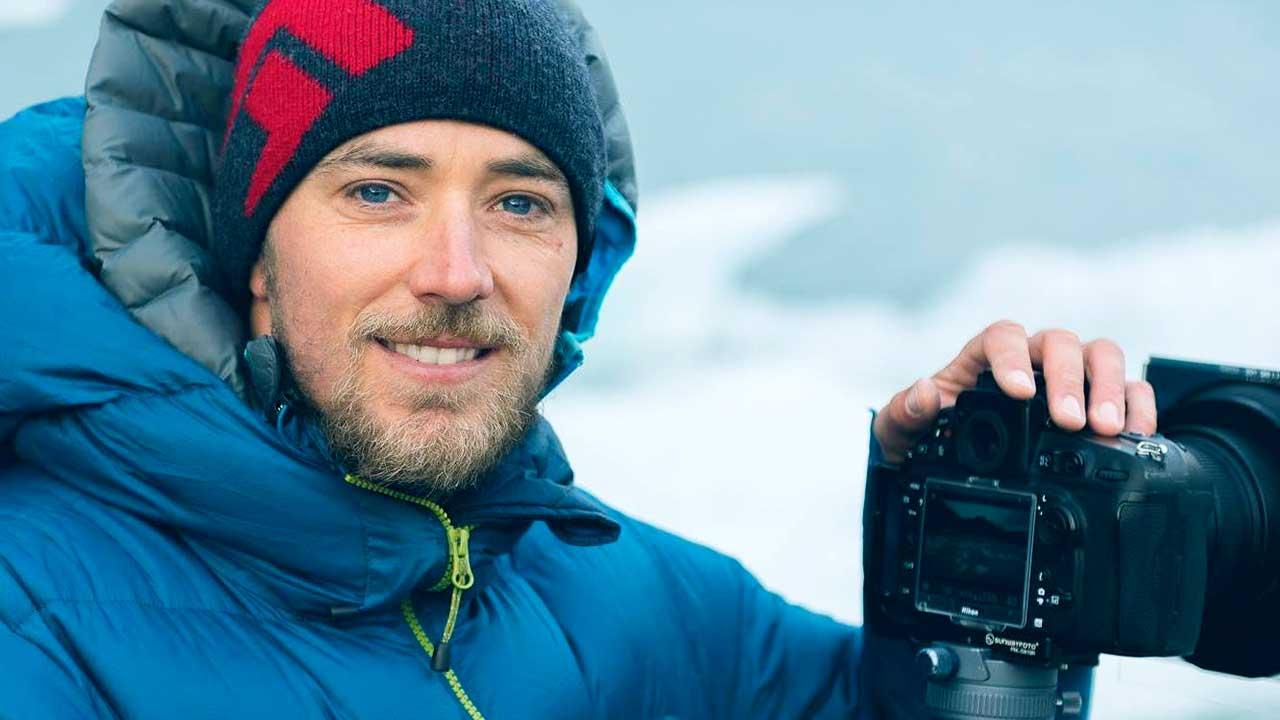 Naturfotograf Tobias Ryser im Schnee