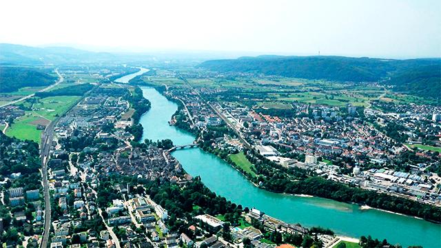 Links Rheinfelden Schweiz, rechts Rheinfelden Deutschland