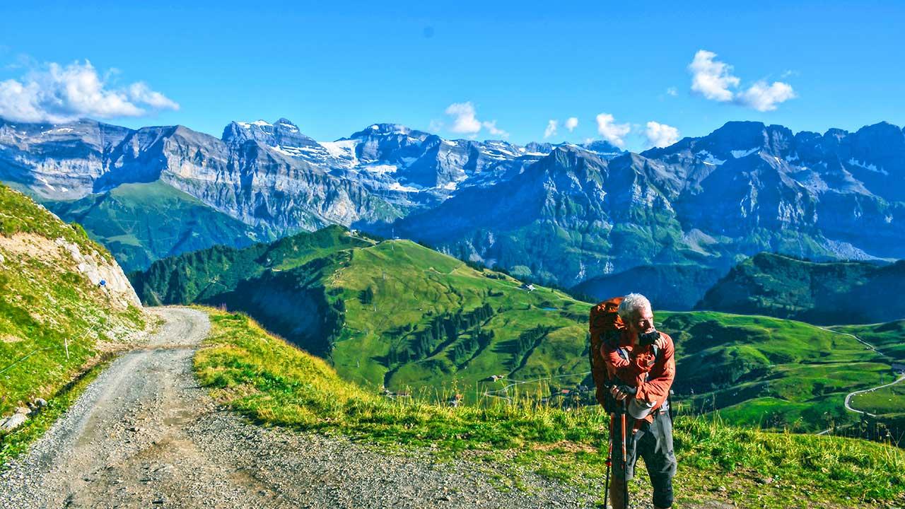 Wanderer in den Schweizer Alpen