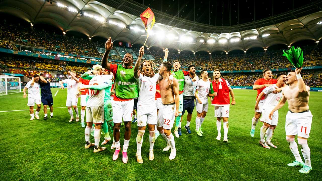 Jubel der Schweizer Fussball-Nati an der EM 2021 nach dem Sieg über Frankreich