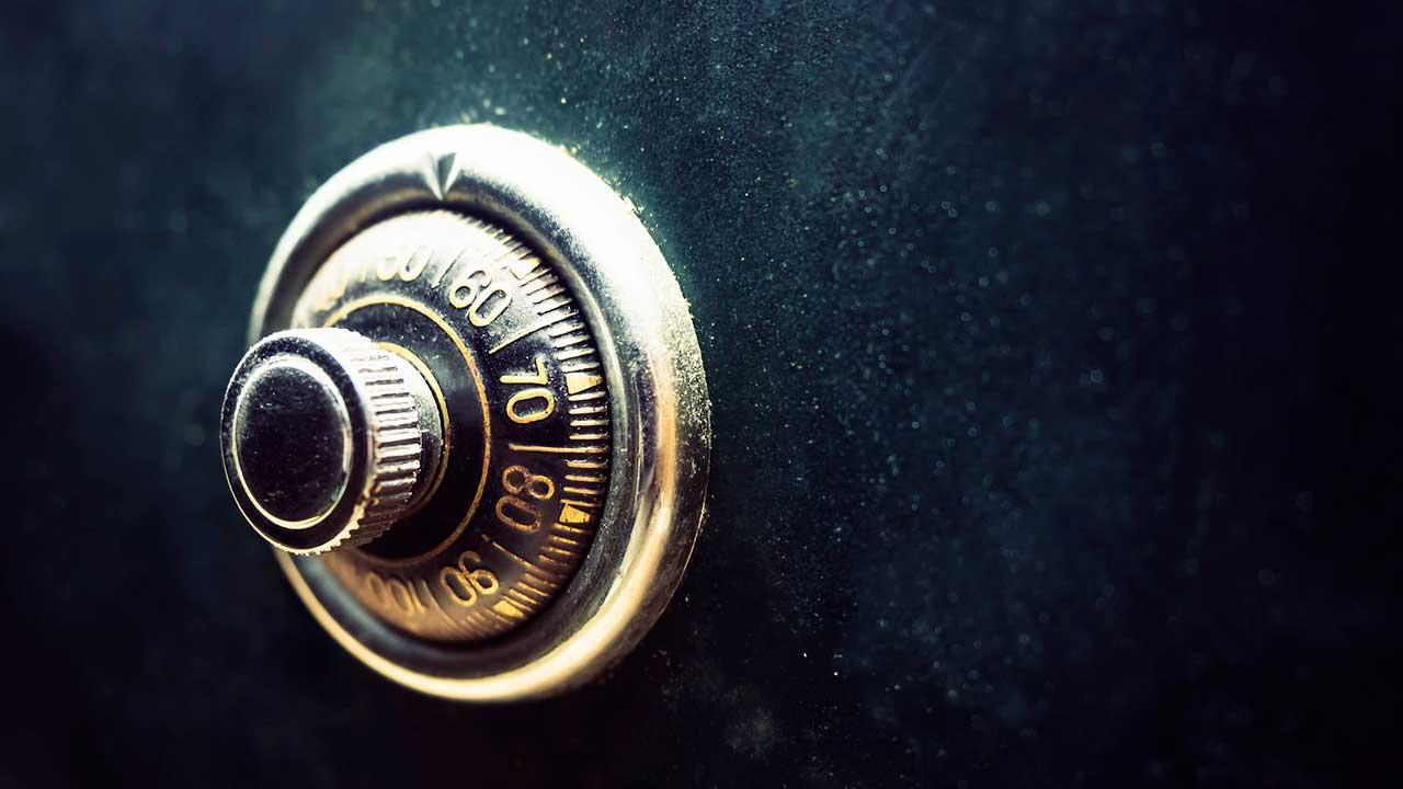 Was woll hinter der geschützten Tür steckt? | (c) 123rf