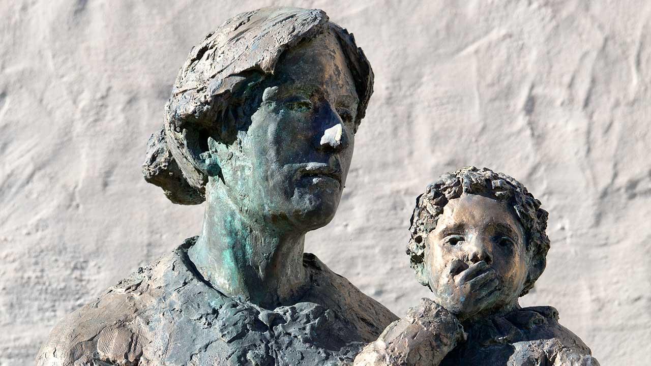 Dorothea von Flüe: Skulptur von Rolf Brem