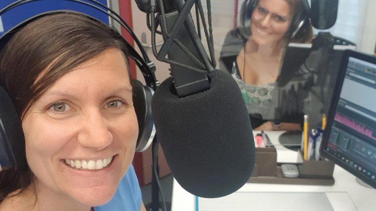 Moderatorin und Redaktorin am Morgen auf Radio Life Channel