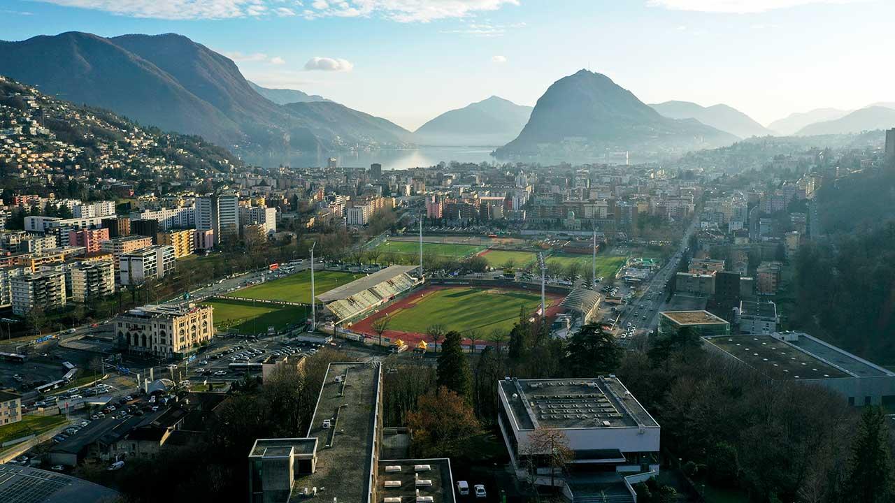 Lugano mit Blick auf Lago Maggiore