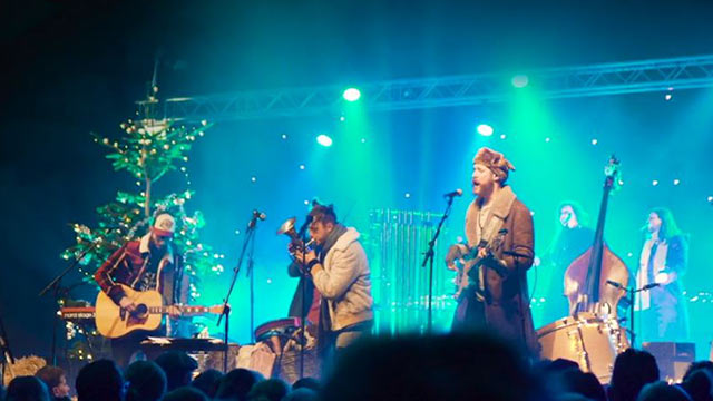 A Trinity Worldwide Christmas Party   (c) Trinity