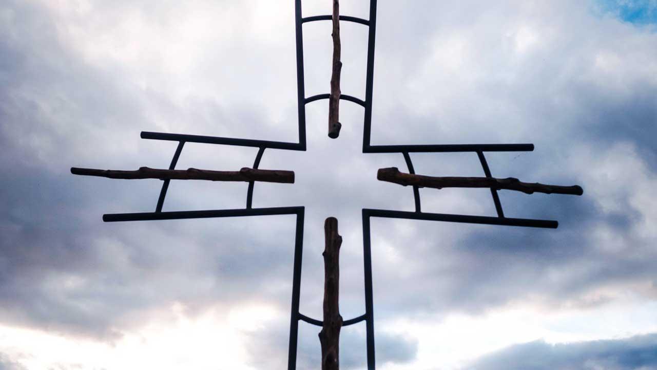 Kreuz an einem Strand in den USA