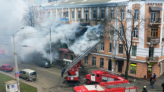 Brennendes Haus in Odessa, Ukraine