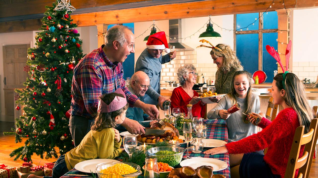 Freudiges Zusammensein an Weihnachten