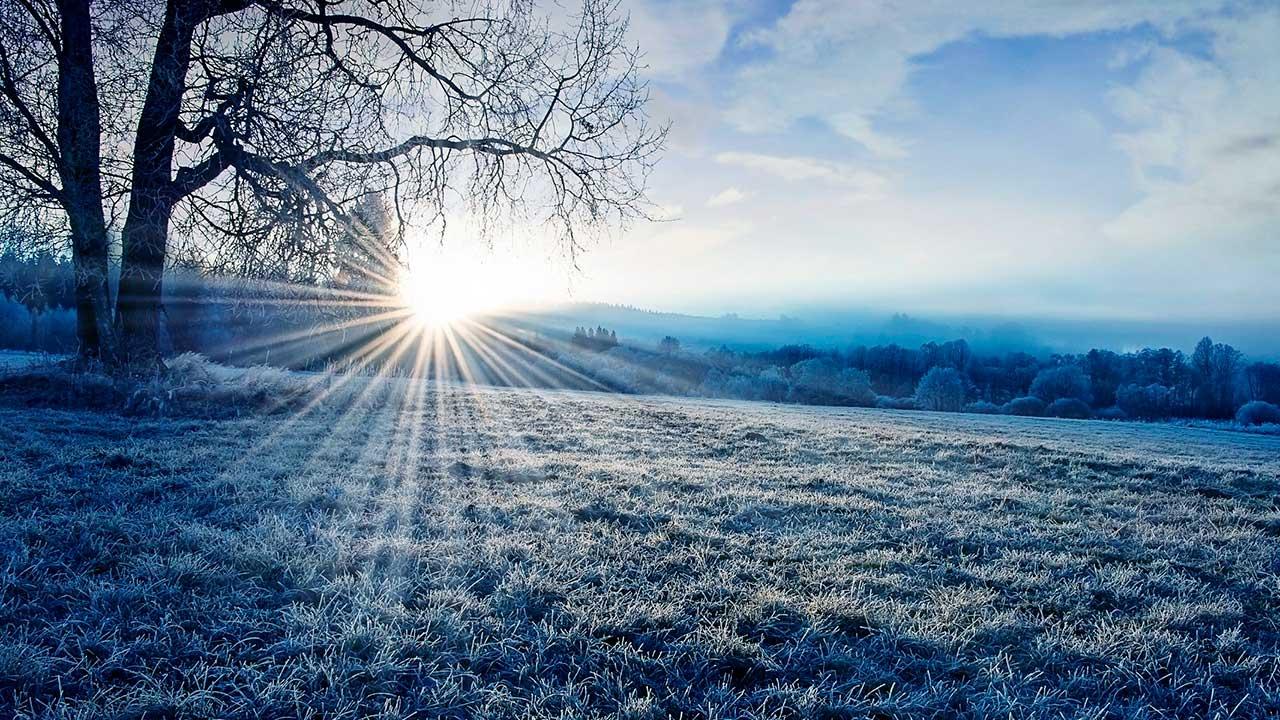 Sonnenaufgang an einem Wintermorgen