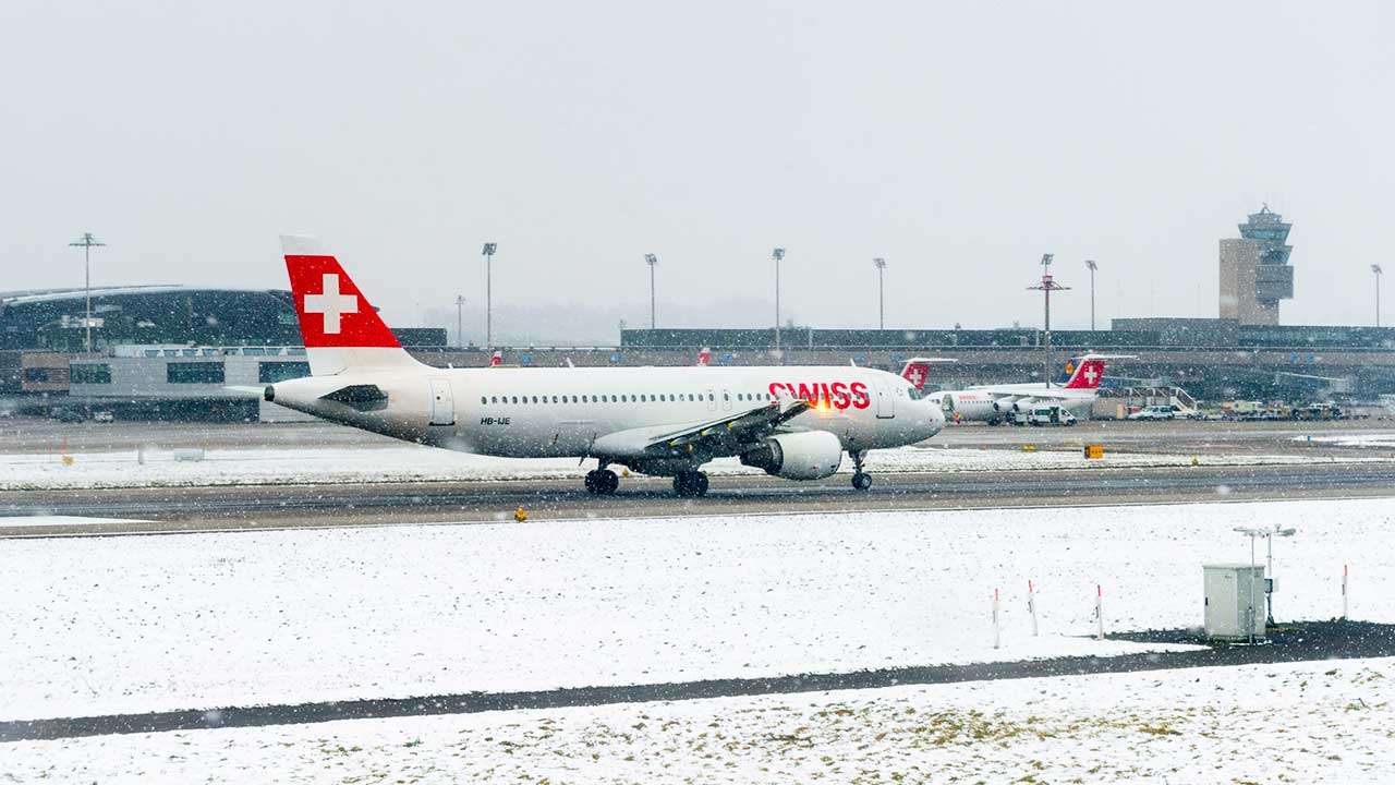 Flughafen Zürich-Kloten im Winter | (c) 123rf