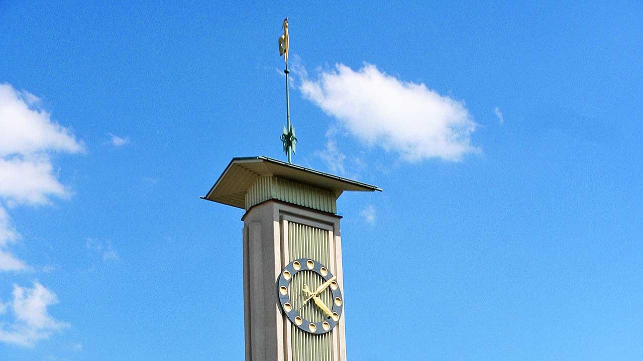 Turm der Stefanskirche in Zürich-Hirzenbach