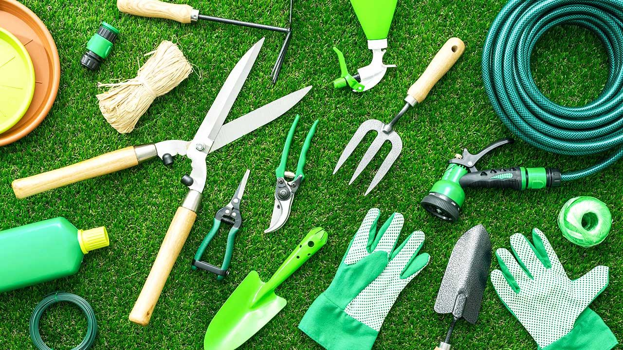 diverse Gartenwerkzeuge