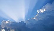 Die Sonne bricht durch die Wolken durch | (c) unbekannt