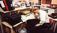 Person verzweifelt in Büro | (c) unbekannt