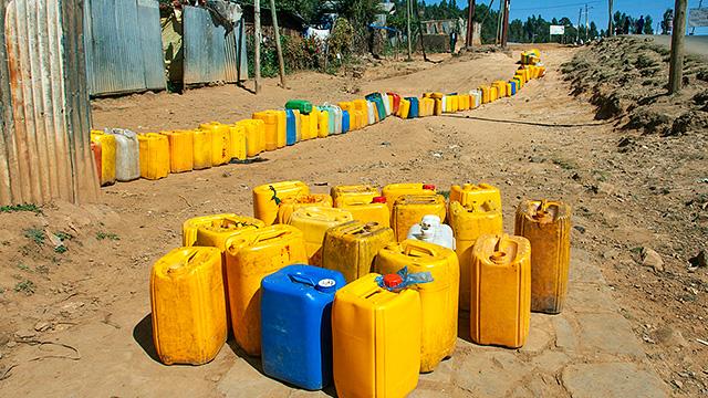 Wasserkanister in Addis Abeba
