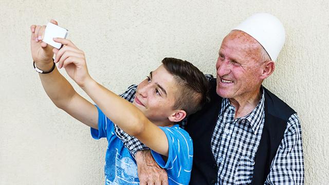 Albanischer Enkel und Grossvater