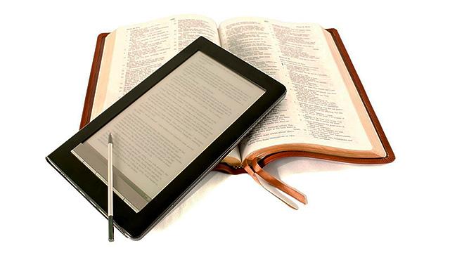 Bibel digital und gedruckt