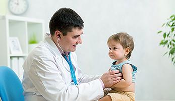 Doktor mit Kind