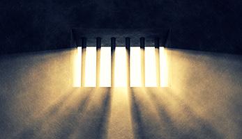 Licht ins Gefängnis