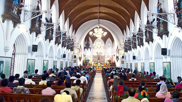 Ostermesse in indischer Kirche