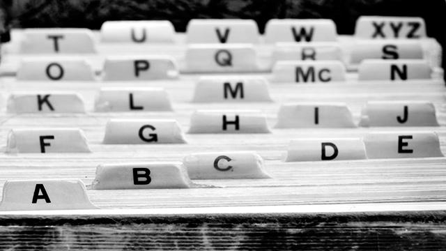 Kartei mit Alphabet
