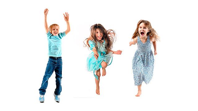 Kinder freuen sich