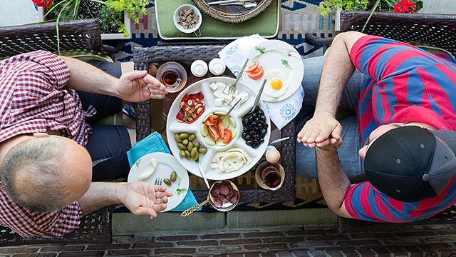 Interkultureller Dialog beim Essen