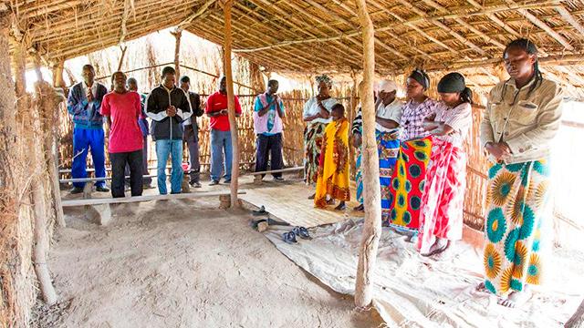 Gottesdienst in einer Hütte in Malawi