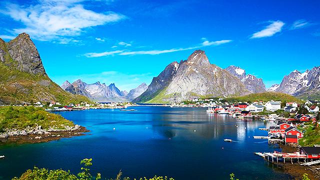 Fischerdorf auf den Lofoten, Norwegen