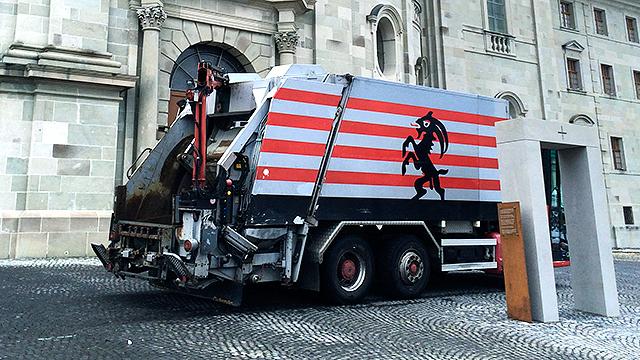 Müllwagen in Einsiedeln