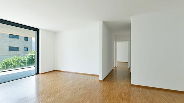 Wohnzimmer mit Korridor