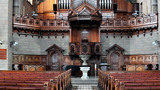 Blick in die reformierte Kirche Zürich-Enge