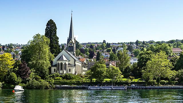 Kirche am Zürichsee